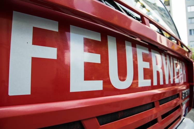 Gera: Kinderwagen im Treppenhaus angezündet
