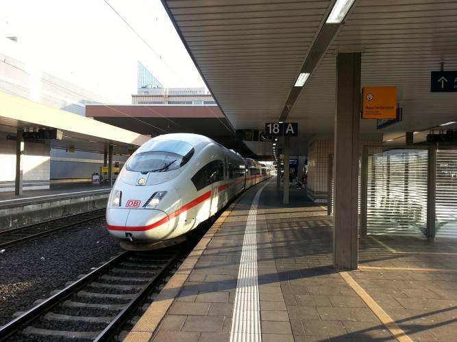 Bahn zieht positive Bilanz von Sprinterstrecke Berlin–München