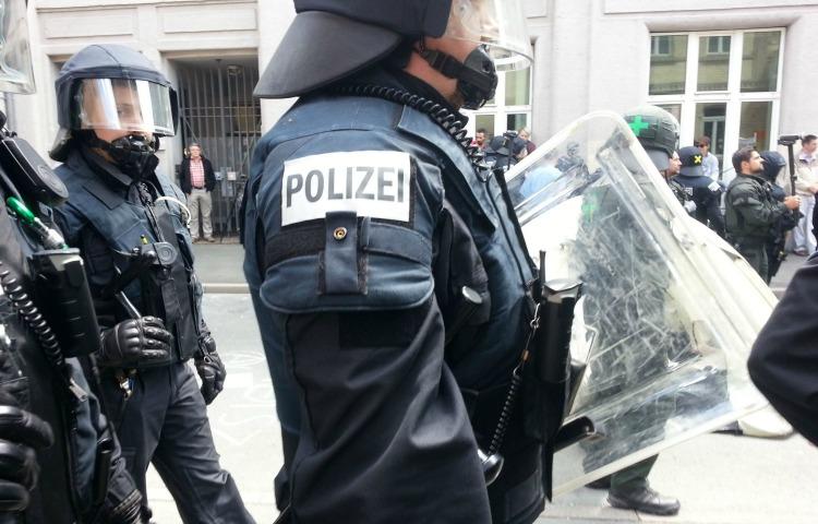 Innenminister verbietet Combat 18 – Durchsuchungen auch in Thüringen