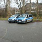 Polizei am Stadion EAS Symbol TNetzbandt thib24