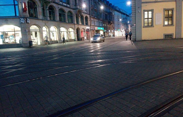 Erfurt: 20-Jährige in der Innenstadt beraubt