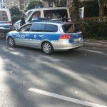 Polizei Fahrzeug Heckscheibe zerstört Demo 3 Oktober 2015 TNetzbandt thib24.de bearb