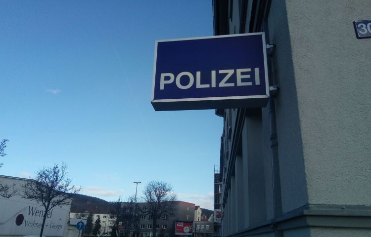 Jena: Unbekannte wollten Parkscheinautomaten aufsprengen