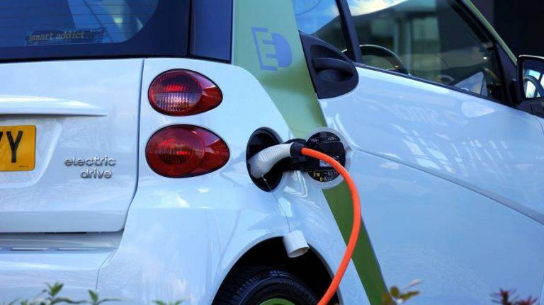 Verbraucherzentrale: Kaufprämie für Elektroautos  stärker auf kleine Fahrzeuge ausrichten