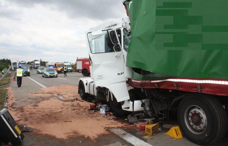 Schwerer Unfall Auf Der A9 Zwischen Droyßig Und Eisenberg