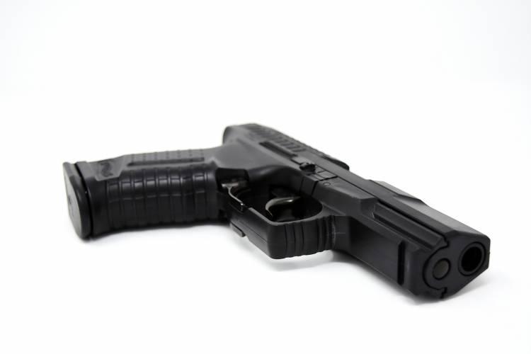 Ilmenau: Student schießt mit Softair-Waffe