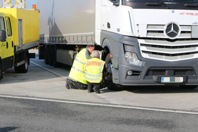 Polizeikontrolle auf der A9 – jeder 10. Fahrer zu schnell unterwegs