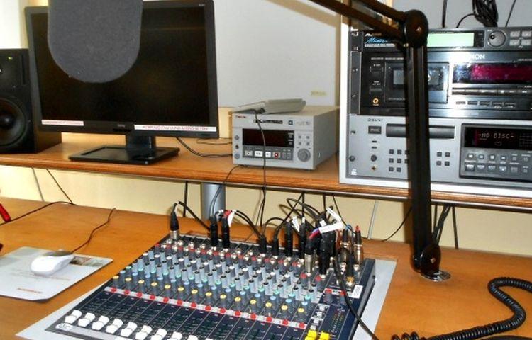 Sendelizenz an Wartburg-Radio 96,5, Radio OKJ und Radio ENNO übergeben