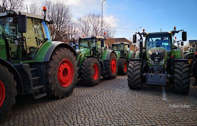 Erfurt: Rund 500 Bauern protestieren vor dem Landtag