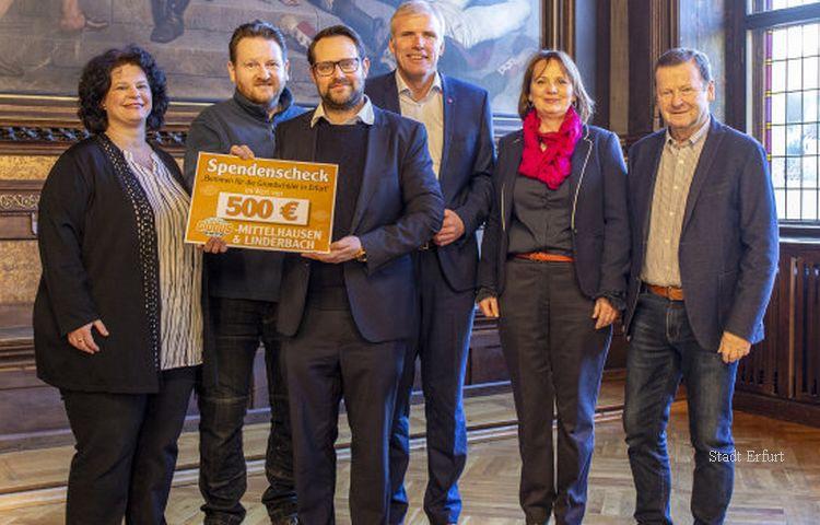 500 Euro Spende für Erfurter Schulbrot-Projekt