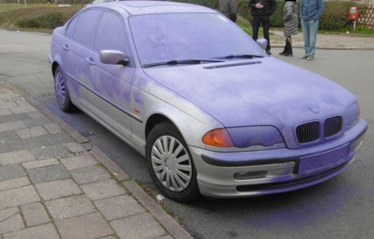 Jena: Unbekannte färben BMW ein