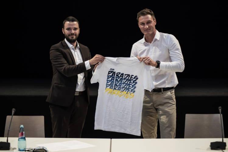 Jena: Olympiasieger Thomas Röhler bleibt in Jena