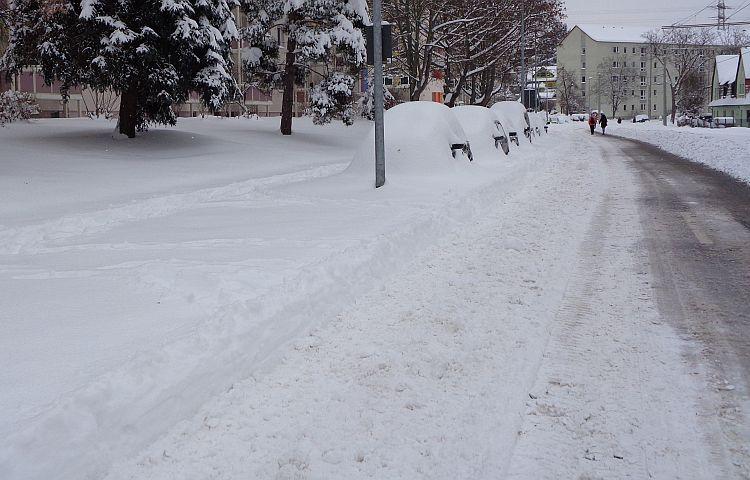 Thüringen: Wintereinbruch verursacht viele Unfälle