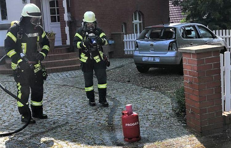 Heilbad Heiligenstadt: Betrunkener zündet Auto an – im Kofferraum liegt eine Gasflasche