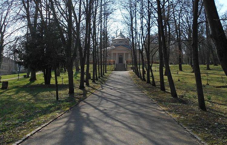 Weimar: Jugendliche erforschen den Historischen Friedhof