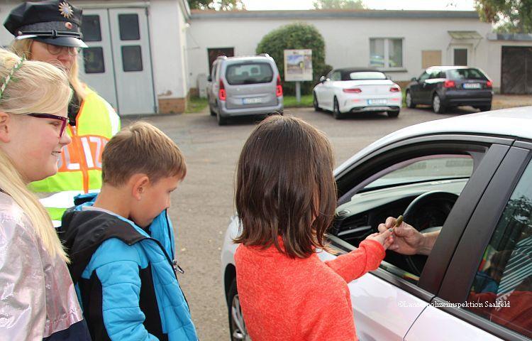 """Uhlstädt: Grundschüler """"kontrollieren"""" Raser"""