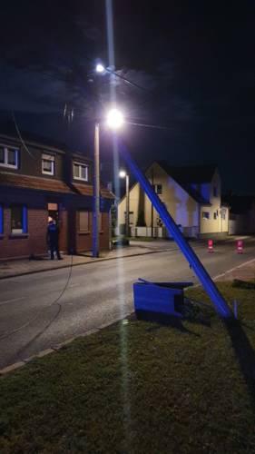 Erfurt: Kipper kappt mehrere Leitungen